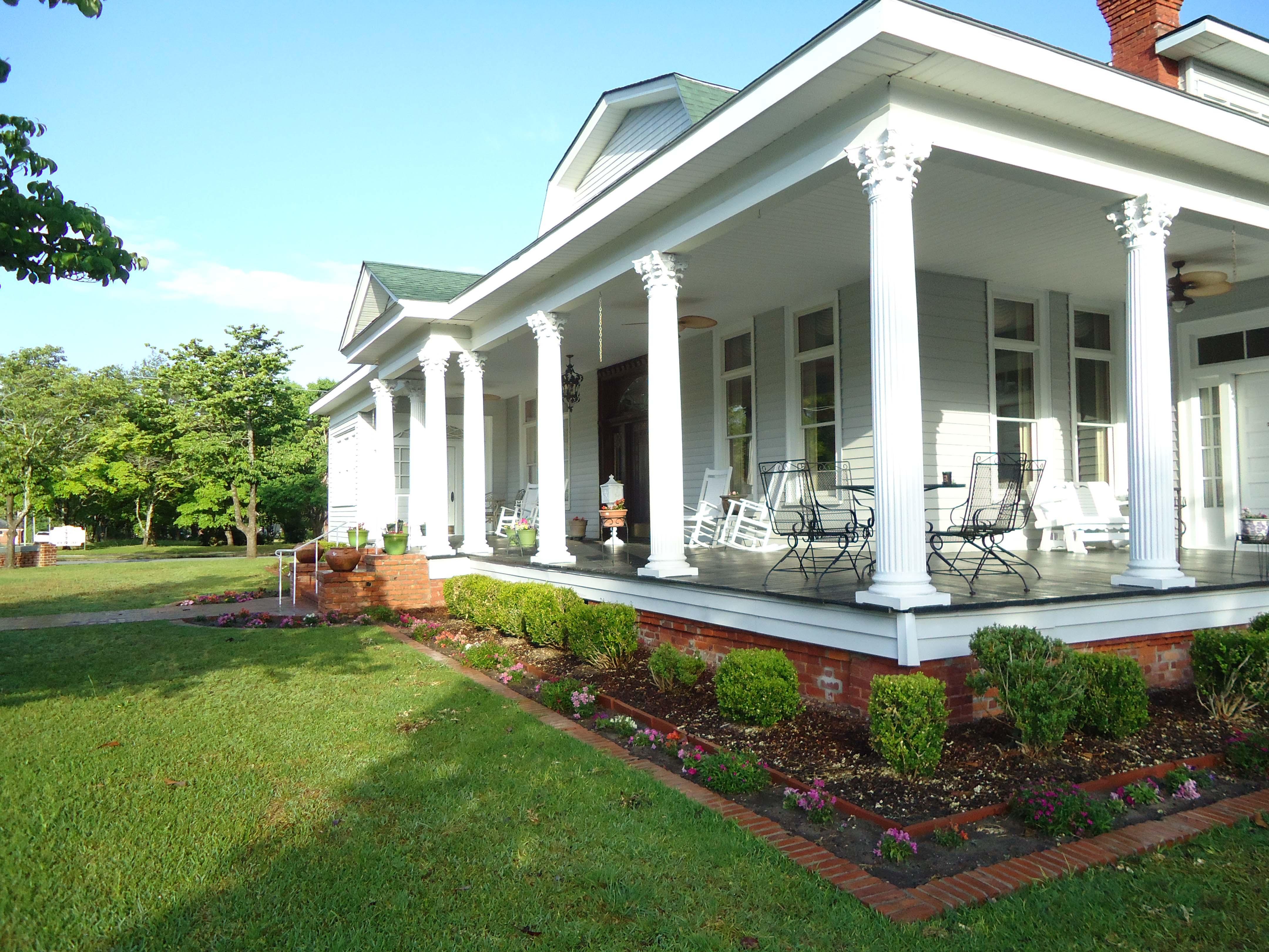 Nine Bedroom Historic B&B in Swainsboro Georgia -Edenfield House