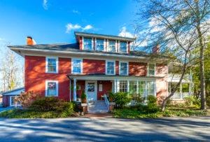 Red House Inn